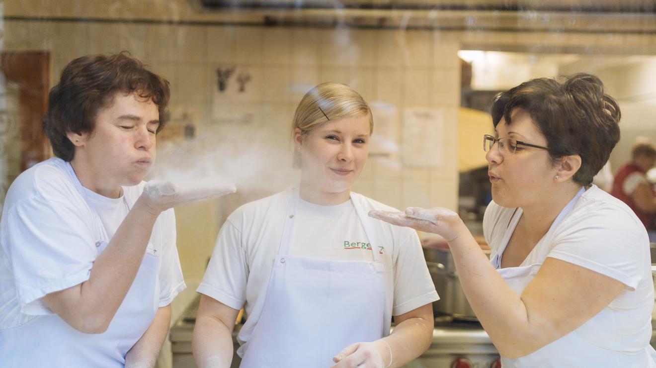 -Menü Küche Leidenschaft Mitarbeiter Spaß Wilhelmsburg Fleischerei